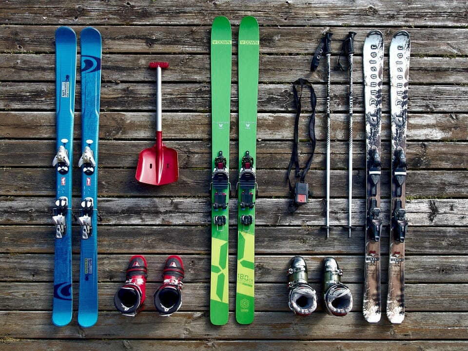 Tips for saving money on your skiing holiday